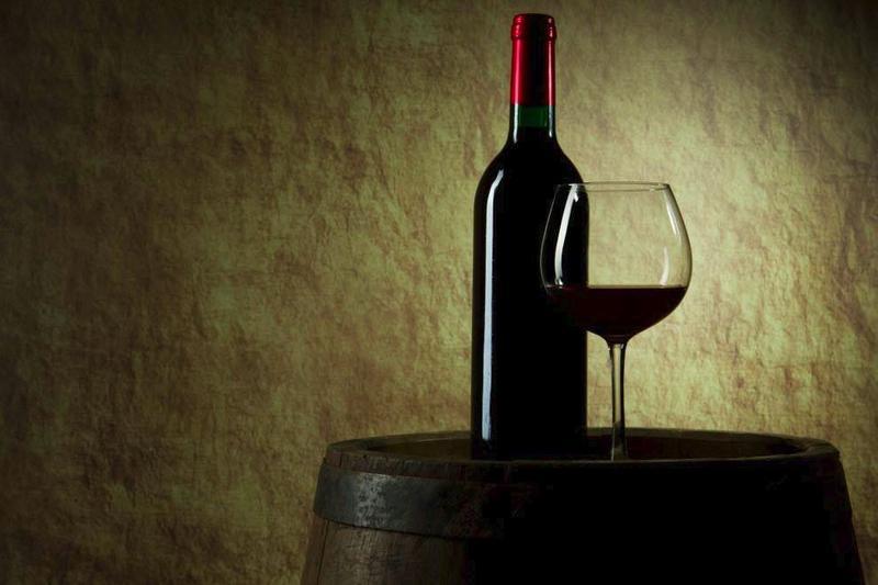 Сухое вино называется сухим, потому что в нем полностью «досуха» сброжен сахар.